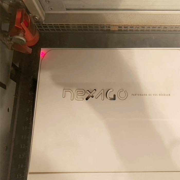photo du logo découpé du packaging de Nexago réalisé par Laurent Agier, agence de communication à Toulon